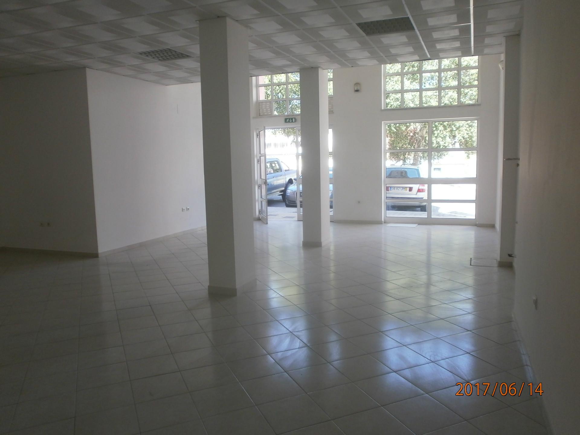 Venda loja 136m2 dois wc, Castelo Branco, Castelo Branco