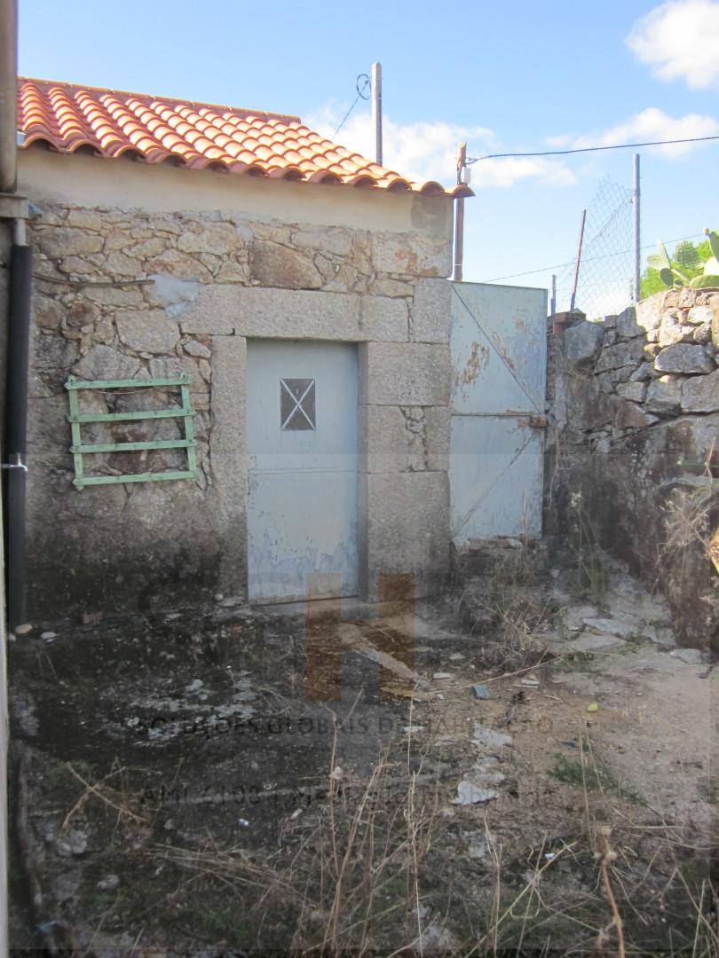 venda de moradia com logradou Cafede, Castelo Branco, Castelo Branco